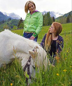 Familie Unterwurzacher hat auf dem Replerhof eine Menge tierischen Familienanhang. Auch dieses Pony gehört dazu.