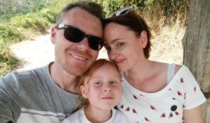 Christina Burkhardt vom Blog reisemeisterei.de mit Ihrer Familie.