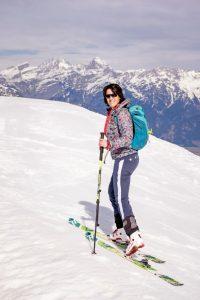 Nadja Blumenkamp, Gastgeberin im Biohotel Rupertus in Leogang, beim Skitourengehen
