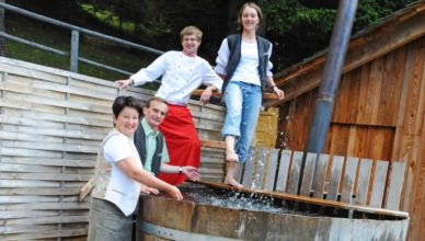 Familie Ferner, vamos Gastgeber auf der Tonnerhütte am Zirbitzkogel in der Steiermark