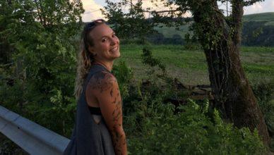 Lena Krause arbeitet als Kinderbetreuerin für vamos Eltern-Kind-Reisen