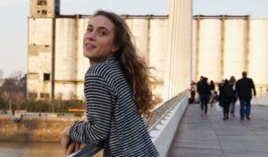 Paula Mein ist Kinderbetreuerin bei vamos Eltern-Kind-Reisen.