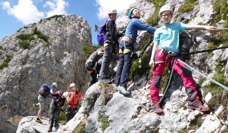 Klettersteig Urlaub : Klettersteig familientauglich bergabenteuer in den dolomiten