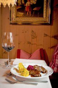 Gourmetküche und gute Weine werden auf dem Oberraindlhof serviert
