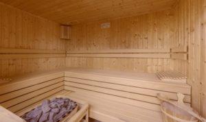 Eine Sauna in einem Haus im Ferienresort Gud Jard auf Pellworm.