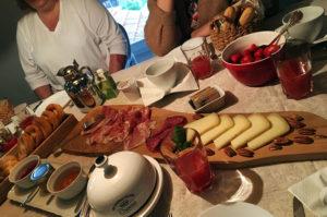 Frühstück in der Villa i Poggioli.